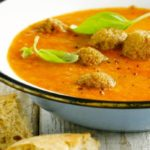 Recipe for Greek tomato soup with vegetarian meatballs