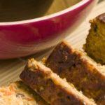 Kruidig Spelt seitan vegetarisch gehaktbrood met tijm en oregano