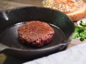Rezept für selbstgemachte Seitanburger mit Rote-Bete-Saft